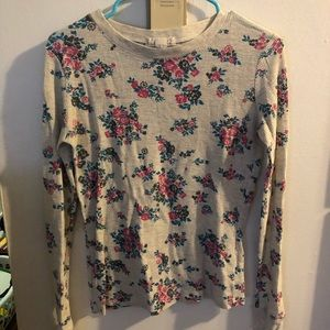 Long sleeve floral patterned top